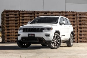 If You Re Trying To Decide Between A 2016 And 2017 Jeep Grand Cherokee Ve Got Hard Choice Ahead Of Both Vehicles Are Great Offer Variety
